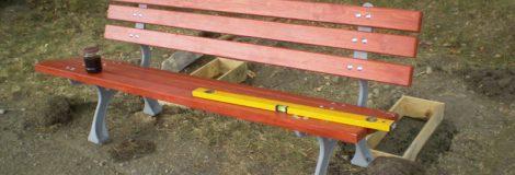 Výmena lavičiek v parku